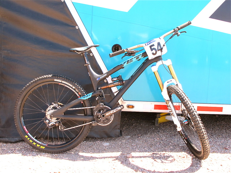 This is the bike that Jared Graves piloted to a Bronze Medal at this year s World Champs in South Africa. Pretty cool to see and check out his exact set up and to think he turned that 54 into third. Congrats again to you Jared and everyone at Yeti this season.
